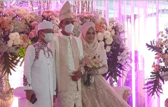 Fakta-fakta Resepsi Pernikahan UAS, Sang Istri Adalah Penghapal Alquran Yang Dihadiri Sejumlah Pejabat Dan Artis