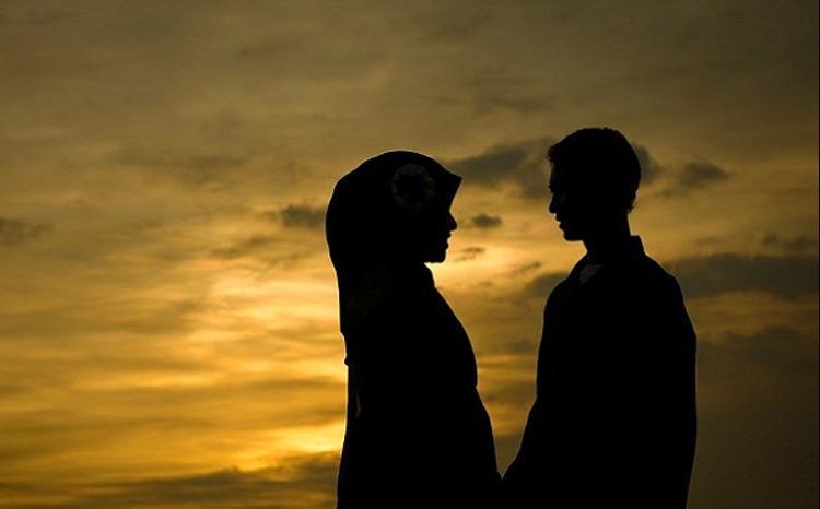 """""""Kenapa Istri Saya Jelek?"""" Jawaban Pria Ini Bikin Semua Suami Langsung Menunduk Malu"""