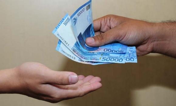 Ingat Ya, Saat Kamu Diberi Pinjaman Uang, Bukan Berarti Temanmu Banyak Uang. Jadi Jangan Lupa Untuk Membayarnya