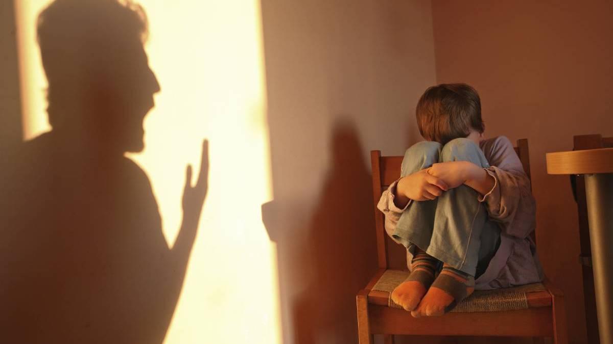 7 Tanda Orang Tua 'Beracun' yang Sering Gak Disadari Siapapun