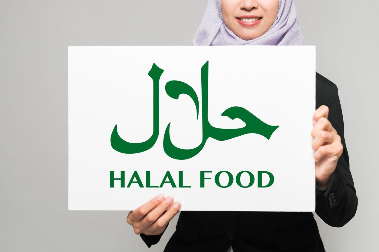 7 Makanan Selain B*bi yang Juga Diharamkan Dalam Islam, Salah Satunya Yang Sering Kita Makan