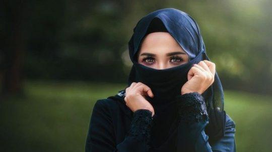 Permalink to Bukan Rajin Ibadah, Ternyata Inilah Ciri Wanita Paling Mulia Kata Buya Yahya, Tidak Senang dengan Hal Ini