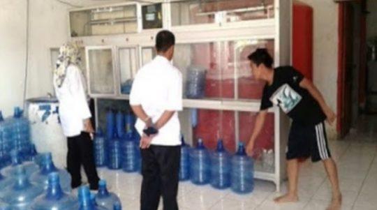 Permalink to Minum Air Galon Depot Lebih Berbahaya Dari Air Sumur Yang Diminum Mentah ??